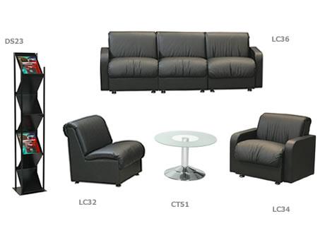 Buckingham three-seater Leather sofa